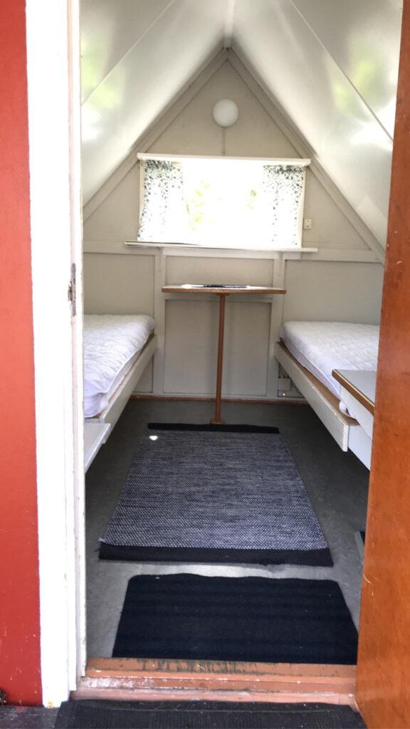 Fjällbacka Camping - Minibungalow entrence